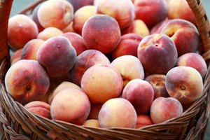 How to Wash Peaches