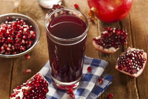 How Much Pomegranate Juice Should a Person Consume in a…