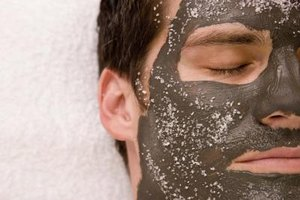 What Are the Ingredients to Make an Acne Face Peel?
