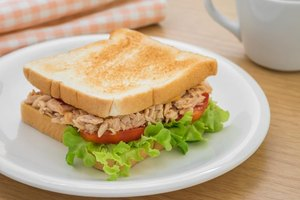 Is Eating Tuna in the Can Every Day Healthy for You?