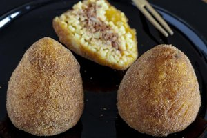 How to Reheat a Rice Ball