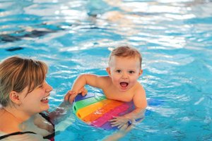 How to Swim With Toddlers With a Cold & Cough