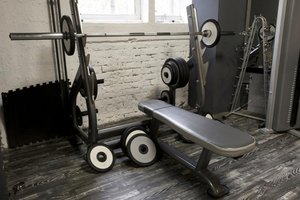 What Is Considered a Good Bench Press Weight in High Sc…