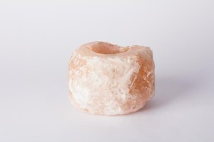 What Are the Benefits of Himalayan Salt Crystal Lamps?