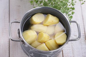 Does Boiling Potatoes Reduce Their Vitamins?