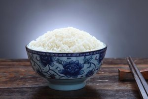 How to Make White Rice Taste Good & Be Healthy
