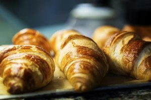 What Is the Best Way to Toast Croissants for a Sandwich…