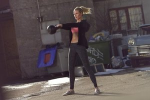 Women's Kettlebell Workouts to Lose Belly Fat