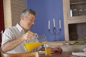 Does Orange Juice Irritate Ulcers or Colitis?