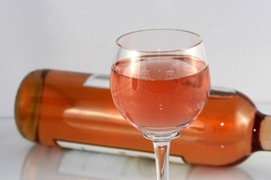 How Many Calories in a Glass of White Zinfandel?