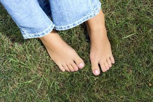 Olive Oil to Treat Dry, Brittle Toenails