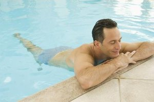 How to Swim With Elbow Tendonitis