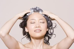 How to Make a Homemade Cleanser for Oily Hair