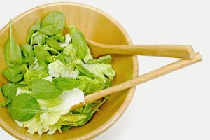 Nutritional Facts for Lettuce vs. Spinach