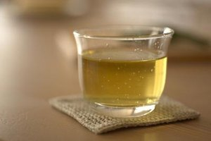 Does Green Tea Help Reduce Colds & Fevers?