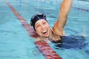 The Benefits of Swimmer's Gloves