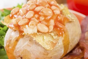 Calories in a Baked Potato With Beans & Cheese