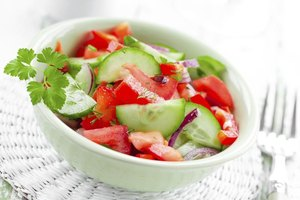 Do Tomato & Cucumber Salads Help You Lose Weight?
