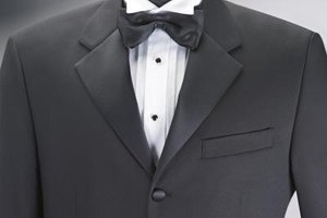 About Pleated Tuxedo Shirts