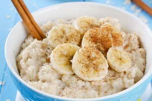 Fat Loss With Oatmeal Vs. Bread