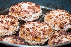 How to Cook Pork Burgers on the Stove Top