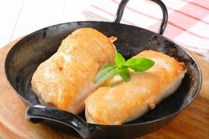 How to Cook a Chicken Fillet in a Skillet