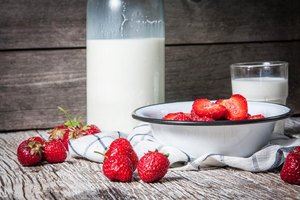A Milk & Fruit Diet for Weight Loss