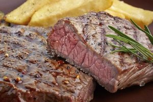 How to Pan Fry Sirloin Steak