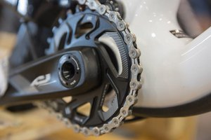How to Tighten the Crank on a Bike