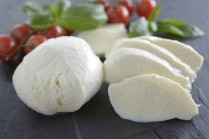Nutrition Facts on Mozzarella Cheese