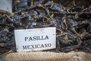 How to Cook a Pasilla Chili