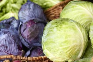 What Are the Health Benefits of Red Cabbage Vs. Green C…