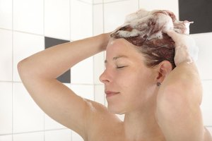 Home Tips to Reduce Hair Fall & Dandruff
