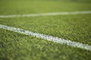 Advantages & Disadvantages From Playing Soccer on Turf