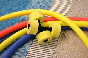 Free Water Aerobics Exercises Using Water Dumbbells
