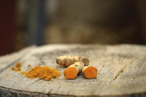What Is the Difference Between Curcumin & Turmeric?
