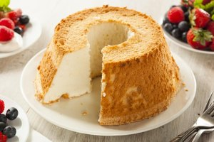 How Many Calories Are in Angel Food Cake?