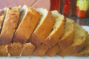 How to Cool Banana Bread