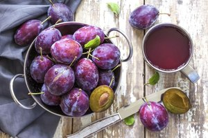 Side Effects of Prunes | LIVESTRONG.COM