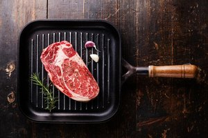 How to Cook Pittsburgh-Style Steaks