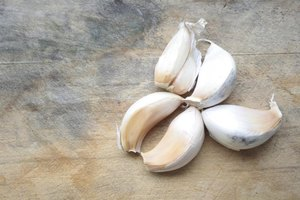The Benefits of Eating Raw Garlic Cloves