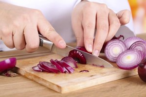 Is It Dangerous to Cut Onions a Day Before Cooking Them…