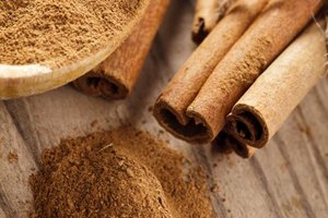 How to Dissolve Cinnamon in a Drink Form