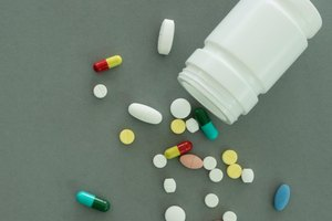 How to Mix Vitamins and Antibiotics