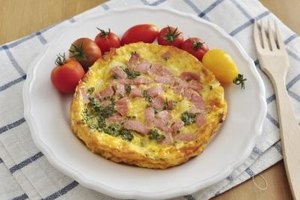 The Calories in a Three-Egg Ham & Cheese Omelet