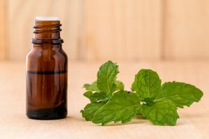How to Use Peppermint Oil for the Scalp