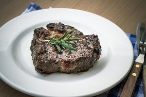 How to Cook a Well Done Filet Mignon on the Stove Top