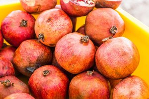 Vitamins in Pomegranates