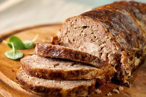 How to Make Low Carbohydrate Meatloaf