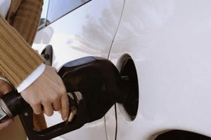 The Reasons a Car Smells Like Gas When Driving and Whil…